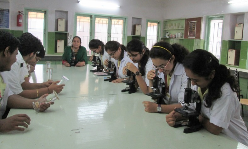 Biology-Lab.jpg