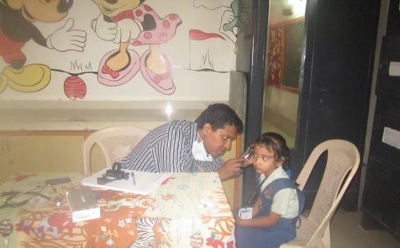 Medical-Check-up-Shiv-Ashish-564x350.jpg