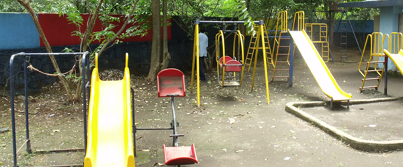 04_arunodaya_school_play_equipments.jpg