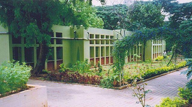 Schoolbuildingprimary.jpg